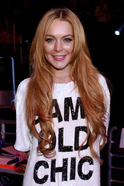 Lindsay Lohan Long Wavy Cut - Lindsay Lohan left her ultra-long hair loose with soft waves during Jingle Ball.