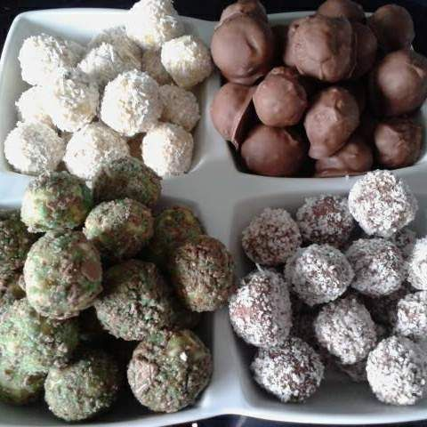 Recipe White Chocolate Tim Tam Truffles by biancawoodhouse - Recipe of category Desserts & sweets