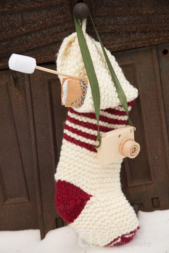 Christmas gift for Children, wooden toy camera. Visit  https://www.etsy.com/shop/beigebois