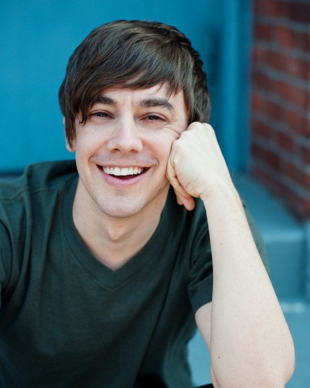 Jorma Taccone <3 Is it weird that I think he's really attractive?