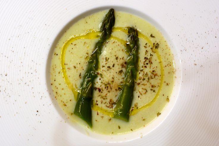 Vellutata di asparagi e cipollotti di Tropea