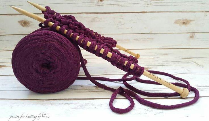 Purple mood Knitting #DLThandmade #passionforknitting #hoookedzpagetti #hoooked  https://www.facebook.com/DLThandmade/