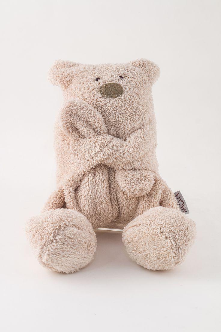 Hugging bear http://www.magma.hu/muveszek.php?id=18