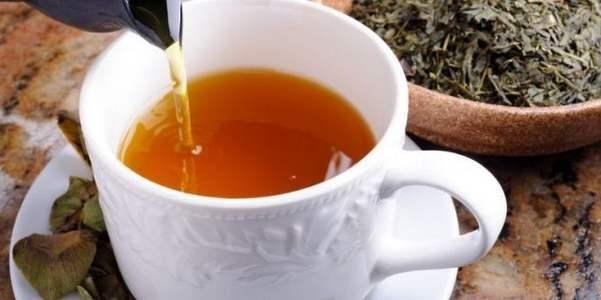 Bere una tazza di tè al giorno previene la demenza senile