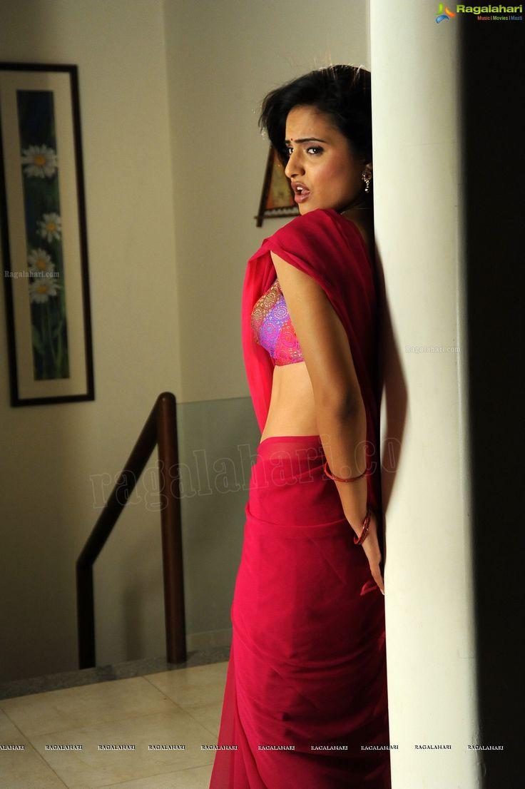 Spicy Photos: Telugu Cinema Actress Ritu Kaur in Red Saree - Image 1