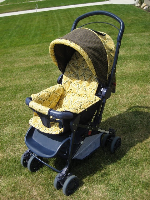 Recovering a stroller- I have been wanting to do this to mine! Great preview on how to take the plunge.