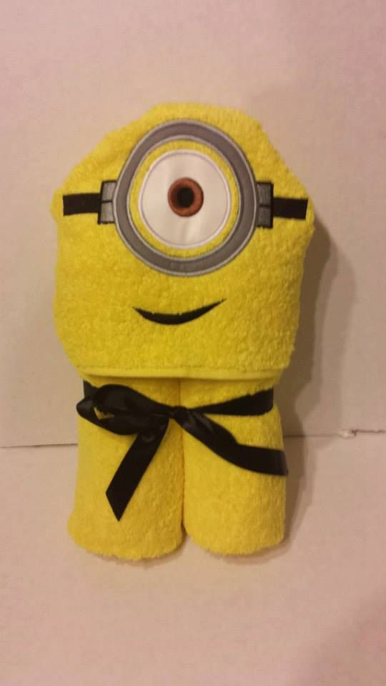 Minion Hooded Bath Towel - how cue would it be to have your kid look like a minion?! Too bad I don't have any friends with kids.