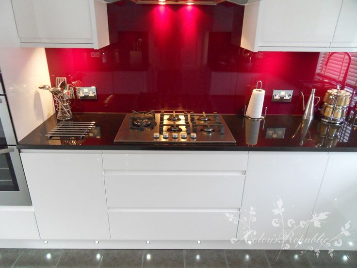 Inspired - Aubergine splashback with attrective lighting