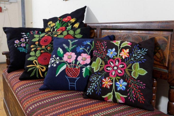 Traditional embroidery. Estonia (Lihula) Lihula lilltikand Lihula mõisas.
