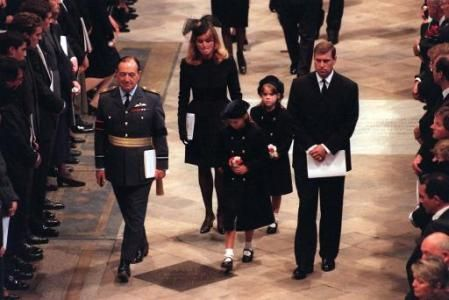 1997--Funeral of Diana, Princess of Wales, London, 6th September 1997 Express picture by John Downing Sarah Ferguson, Prince Andrew and daughters in Westminster Abbey