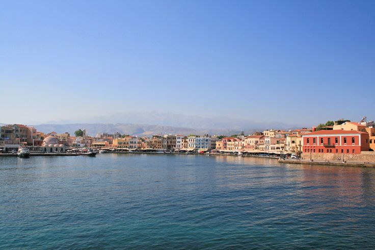View from lighthouse to the south onto the Venetian harbor! #Chania