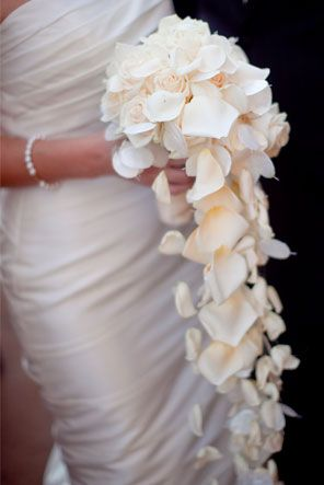 We gasped at this long flower bouquet! (Bouquet - Wedding St.Louis, MO. Photo by Clary Pfeiffer)  #flowers #wedding