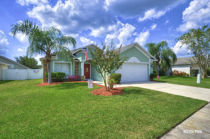 2722 Buckhorn Preserve Blvd WOW! Gorgeous move in ready family home located in the lovely neighborhood of Buckhorn Preserve!