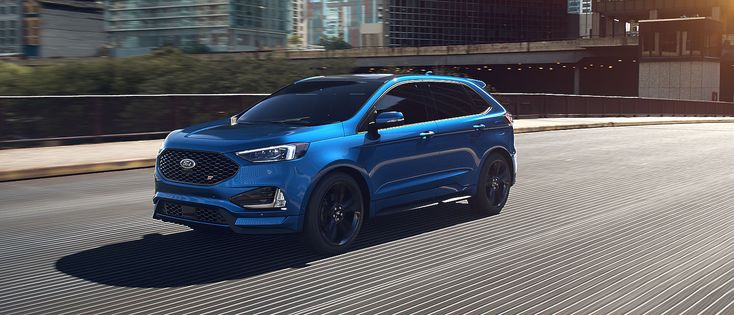 undefined Le Ford Edge ST 2019 montré en bleu performance