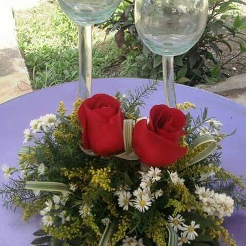 Centro de mesas con rosas rojas❤#Floristeria #barquisimeto #floristeriabarquisimeto #todoparatuboda #bodas #floresbarquisimeto #babyshower #bautizo.