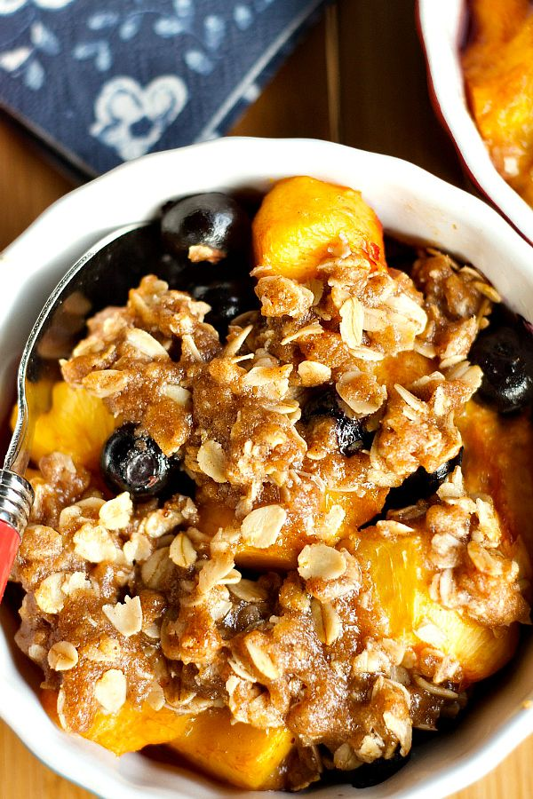 This sweet-tart flavored Peach Blueberry Crisp is perfect for a summer family meal, easy to make in 4 inidividual ramekin dishes.