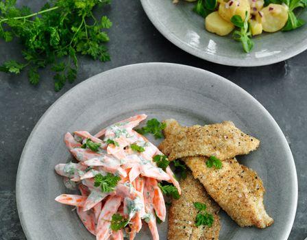 Billede af Skrubbe med sennepskartofler og gulerodssalat med kørvel