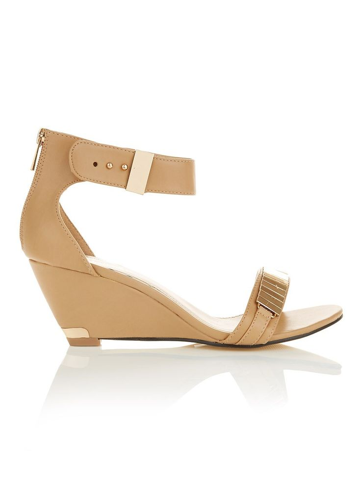 Wedges with metal detail Camel/Tan