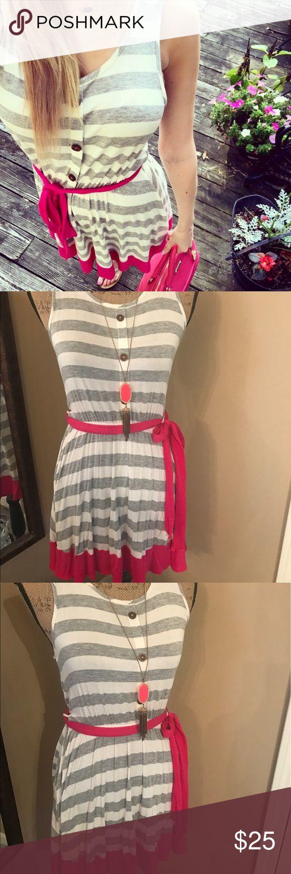 Dottie couture dress Adorable, size small boutique dress. Only wore twice 🌸 dottie couture Dresses Midi