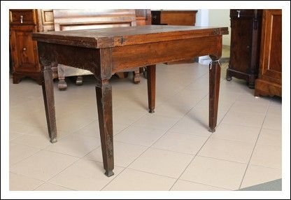 Tavolo a Libro Luigi XVi noce massello Piemontese . Allungabile tavolino primi 800. Antico Antiquari