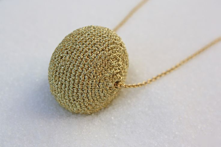 Collar Luna dorado - Crochet necklace - Suka for www.dooc.eu