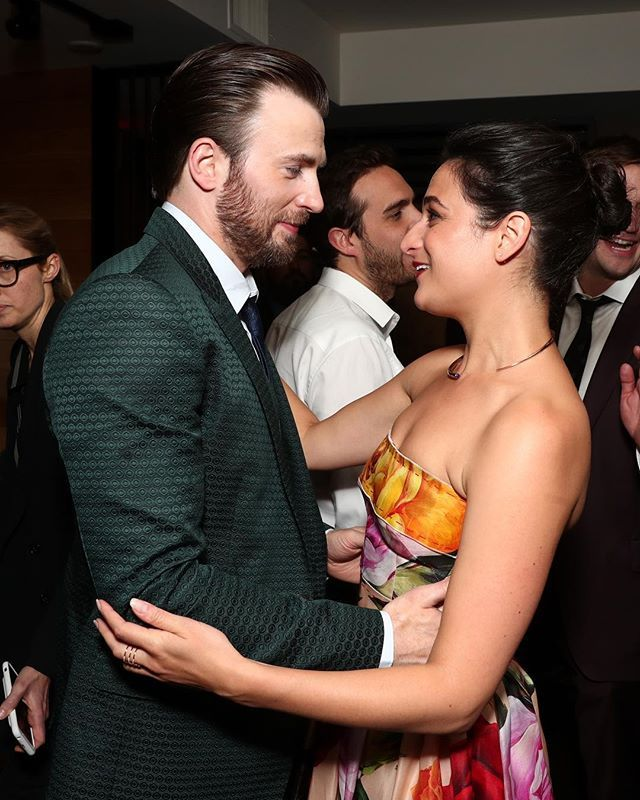 If there's such a thing as #breakupgoals Chris Evans and Jenny Slate are it  The exes reunited at the 'Gifted' premiere and were just as adorable as ever. #ChrisEvans #JennySlate #GiftedMovie  via MARIE CLAIRE MAGAZINE OFFICIAL INSTAGRAM - Celebrity  Fashion  Haute Couture  Advertising  Culture  Beauty  Editorial Photography  Magazine Covers  Supermodels  Runway Models