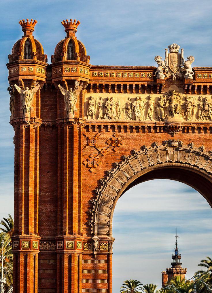 Arc de Triomf, Barcelona, Spain (by MariusRoman)