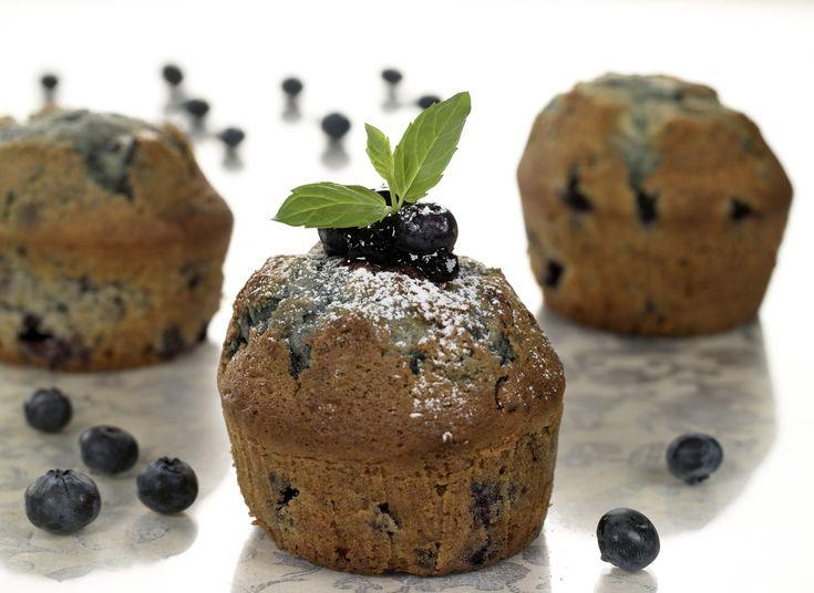 Her får du en deilig oppskrift på lettvinte blåbærmuffins.