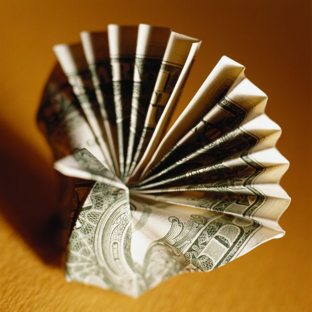 Make a Money Origami Peacock in 6 Easy Steps: Money Origami Peacock Instructions