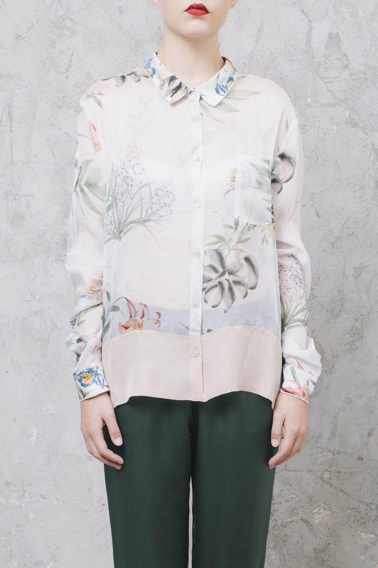 CAMICIA A FIORI IN SETA #ForteForte #GiadaForte #camicia #fiori #flower #shirt #silk #MadeInItaly #ShoppingOnline #style #womenswear #womenstyle #fashion #style #shopping #inArchivio #ArchivioStore