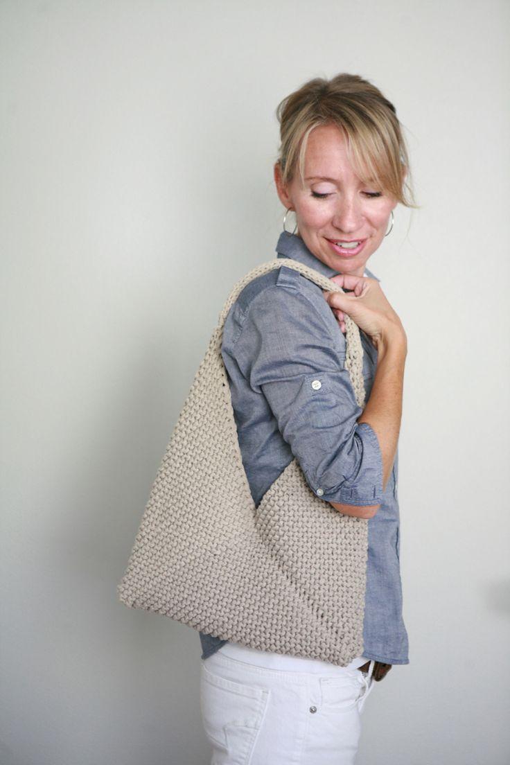 Ravelry: Tolt Folded Bag pattern by Veronika Jobe