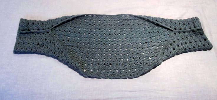 easy shrug crochet pattern--just make a rectangle then slip stitch the ends together to make sleeves