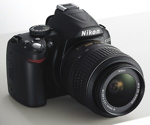 Location Nikon D3000 - appareil photo reflex à Bois-le-Roi par Hugo | PLACEdelaLOC