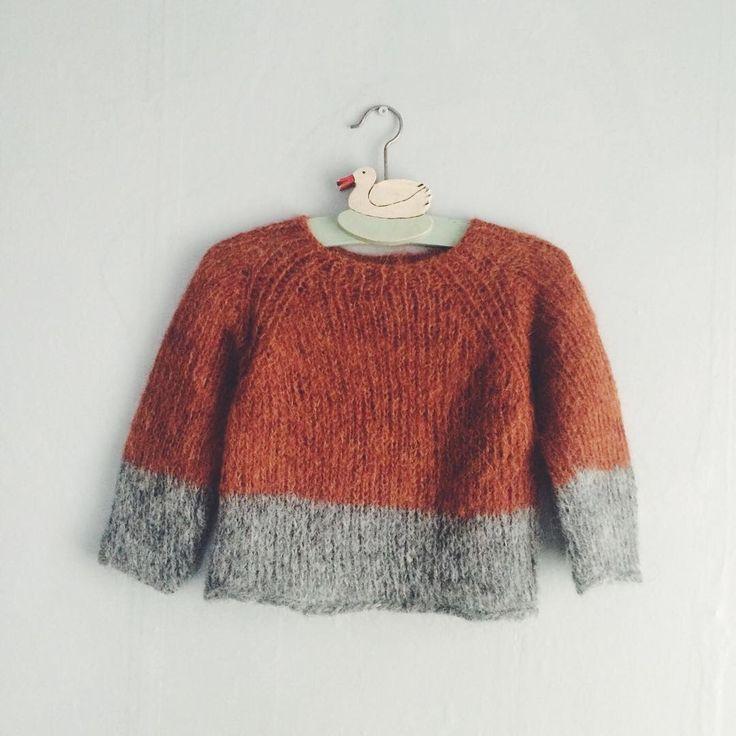 Два новых свитера на год и на два. Мне очень нравится такая цветовая гамма) Свитер связан из альпаки с шерстью, поэтому теплый, пушистый и легкий. Подробности в Директе. #baboobaboo #babooвналичии