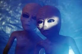 Картинки по запросу инопланетянин+выходит из космического корабля