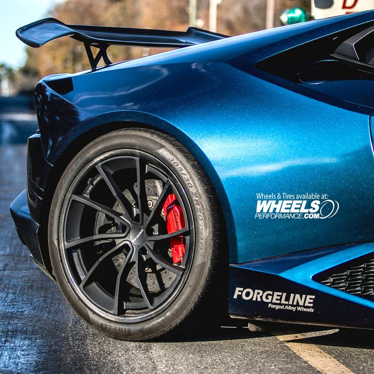 Lamborghini Huracan on Forgeline Carbon+Forged CF202 20x12 wheels finished in Matte Black centers. To get a quote on these call 1.888.239.4335 or @WheelsPerformance Customized by @Atlantacustomwraps @Forgeline