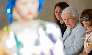 Queen makes surprise appearance at London fashion week