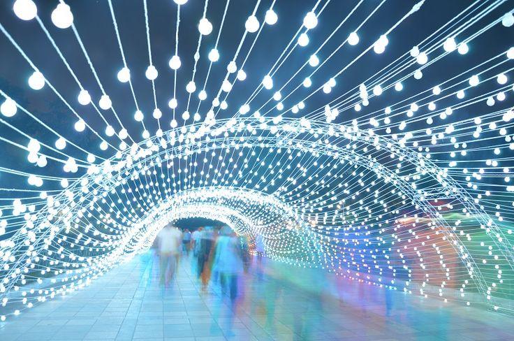 AEPioneer installs an immersive 80m-long light tunnel in tehran