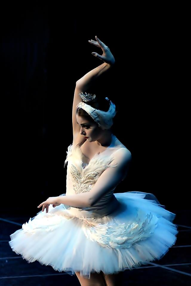NYCB's Kathryn Morgan as Odette in Swan Lake