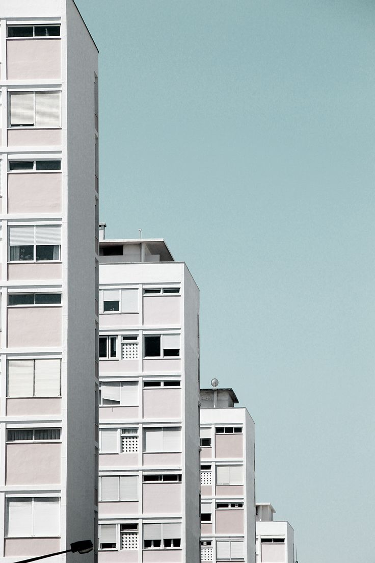 lensblr-network:  Houses - Lisbon by todososdiax (todososdiax.tumblr.com)