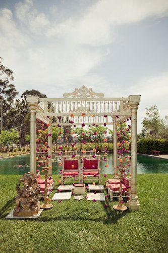 Outdoor Mandap, White mandap with flowers  #indianwedding, #shaadibazaar