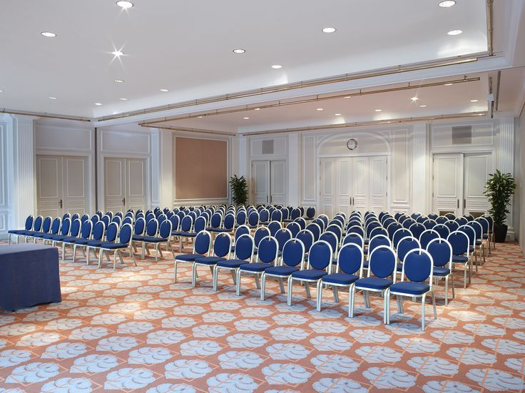Whether organizing a conference, meeting, wedding or exhibition, Hilton Brussels Grand Place provides the perfect range of flexible event spaces with 17 meeting rooms.