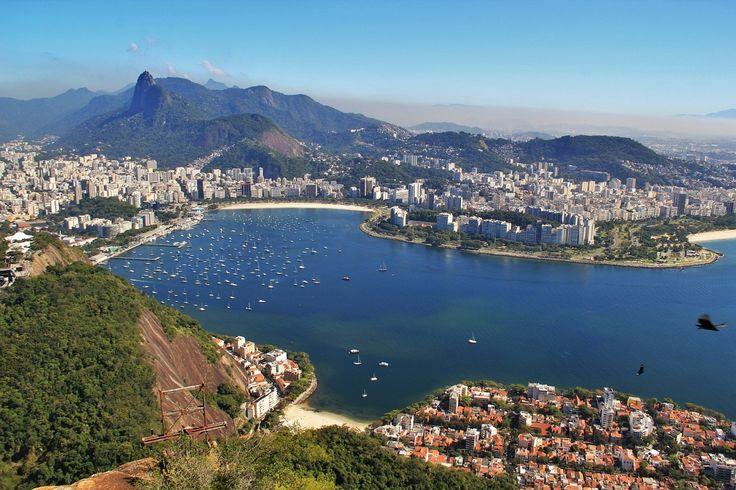 Vista de #RioDeJaneiro desde el #PanDeAzúcar http://www.reservarhotel.com/brasil/hoteles-en-rio-de-janeiro/ #Brasil #Brazil #reservarhotel