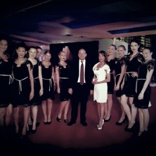 Dubai @ EFFIE MENA Awards with hostesses i dressed and next to me is my adviser from Italy