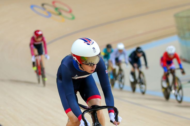 Laura Trott got her omnium underway in some style, meanwhile – the 2012 champion dropped just two of the maximum 120 points available on day one (pic: Alex Whitehead/SWpix.com)