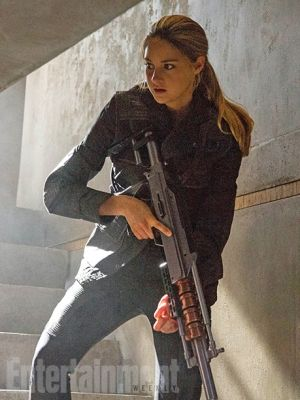 Shailene Woodley as Tris in Divergent