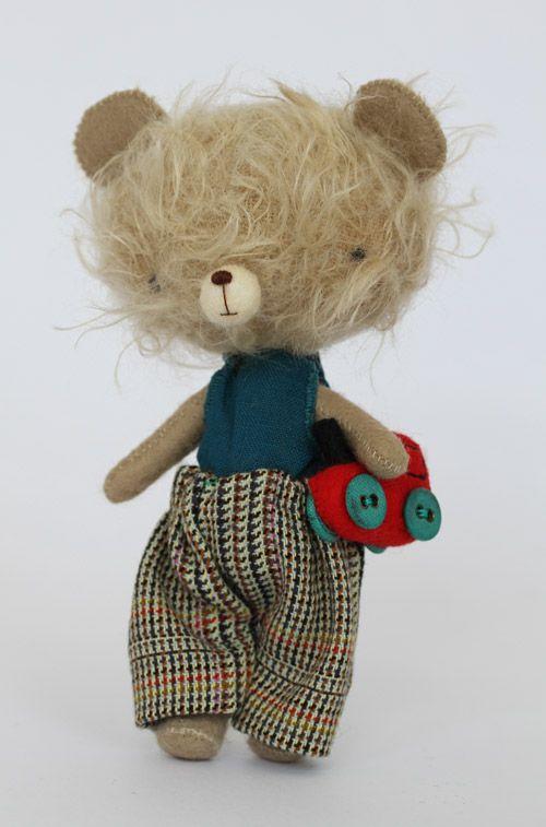 waow ! by Mia Giedre Kaubryte – Schmidt