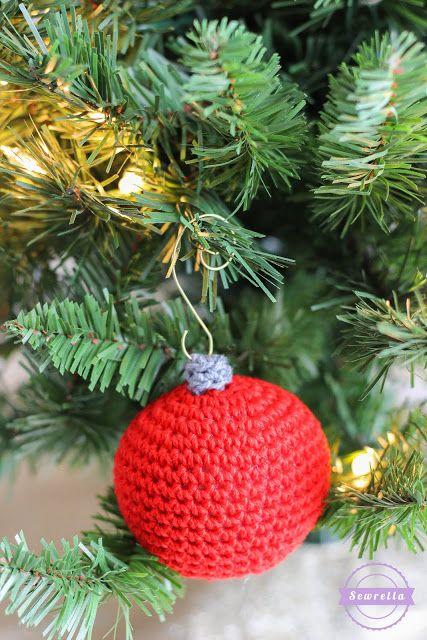 Old Fashioned Crochet Ball Ornament | Christmas Traditions CAL - Sewrella