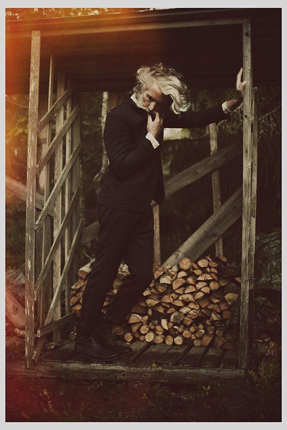 CD: Fredrik Wikholm - Photog: Kalle Gustafsson - Stylist: Tereza Ortiz - H: Pari Damani