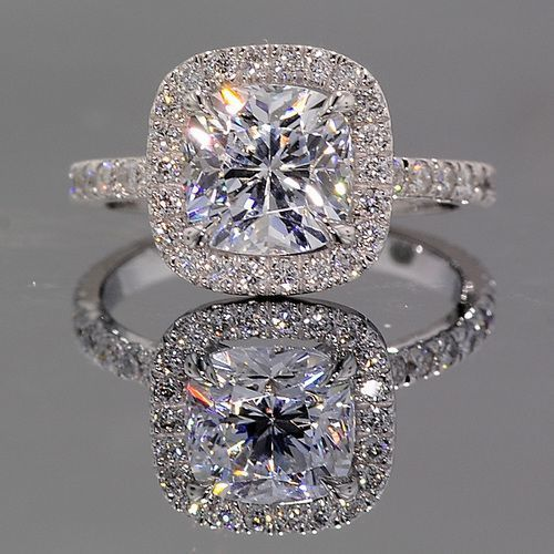 DJ - This looks like it says I'm sorry. Don't you think? Lol. Love you! Gorgeous diamond ring. ~ 35 Stunning Pieces of Jewelry - Style Estate -